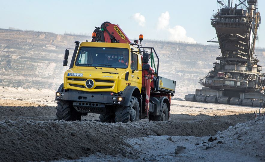 Mercedes-Benz Unimog: The Pickup/Other Thing Benz Has Been Building for Decades - Slide 14