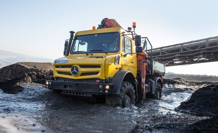 Mercedes-Benz Unimog: The Pickup/Other Thing Benz Has Been Building for Decades - Slide 15