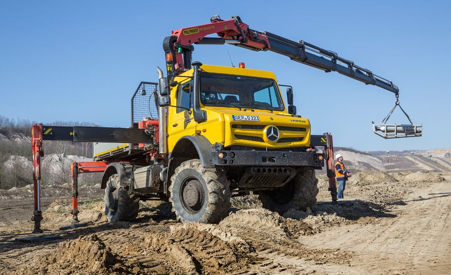Mercedes-Benz Unimog: The Pickup/Other Thing Benz Has Been Building for Decades - Slide 16