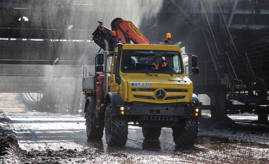 Mercedes-Benz Unimog: The Pickup/Other Thing Benz Has Been Building for Decades - Slide 17