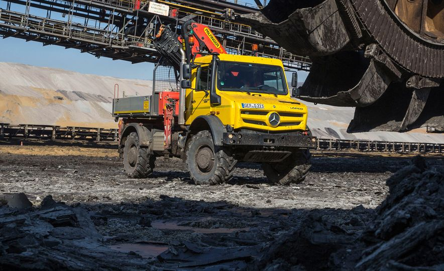 Mercedes-Benz Unimog: The Pickup/Other Thing Benz Has Been Building for Decades - Slide 18