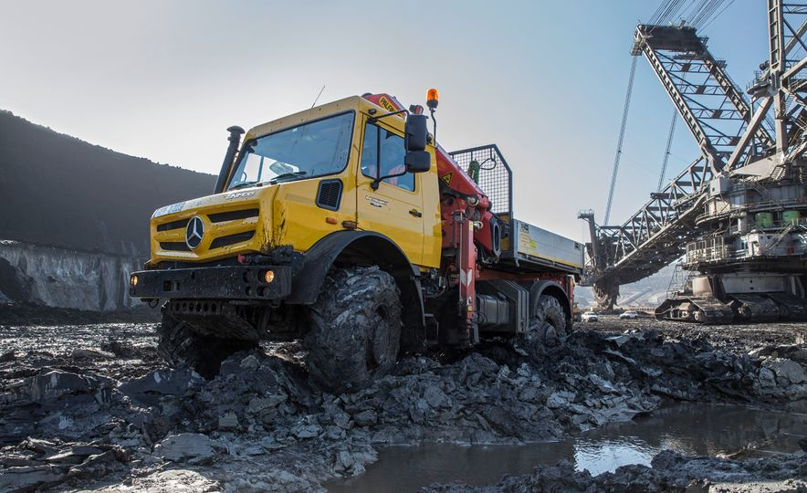 Mercedes-Benz Unimog: The Pickup/Other Thing Benz Has Been Building for Decades - Slide 19