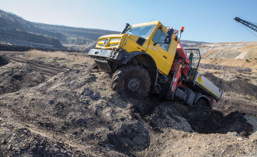 Mercedes-Benz Unimog: The Pickup/Other Thing Benz Has Been Building for Decades - Slide 20