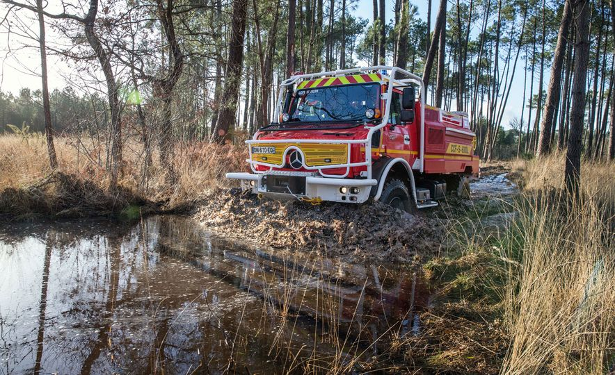 Mercedes-Benz Unimog: The Pickup/Other Thing Benz Has Been Building for Decades - Slide 22
