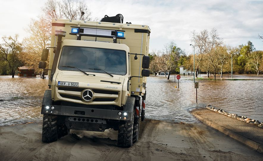 Mercedes-Benz Unimog: The Pickup/Other Thing Benz Has Been Building for Decades - Slide 23
