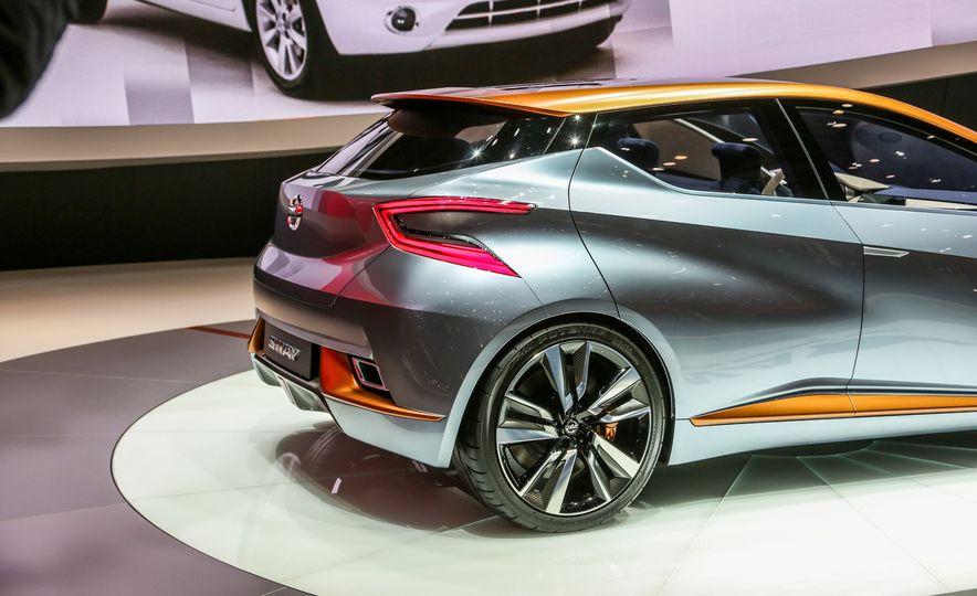 Nissan Sway concept - Slide 14