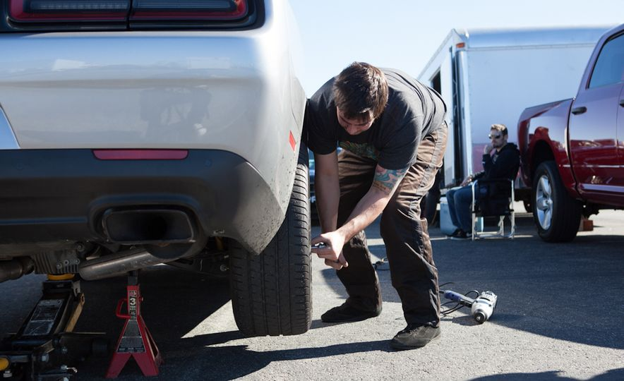 What's the Hellcat's True Potential? We Head to the Drag Strip with Various Tires to Find Out - Slide 23