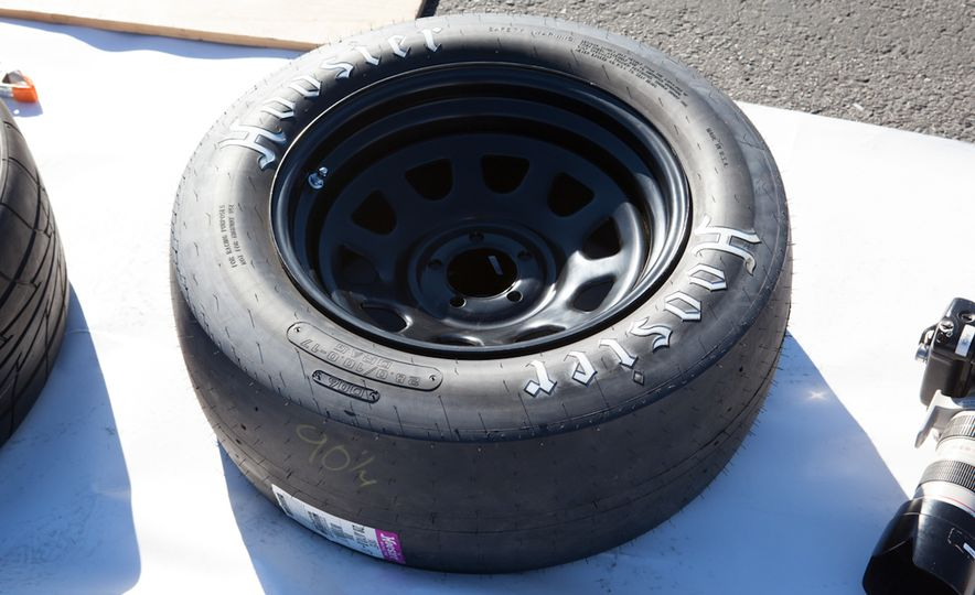 What's the Hellcat's True Potential? We Head to the Drag Strip with Various Tires to Find Out - Slide 46