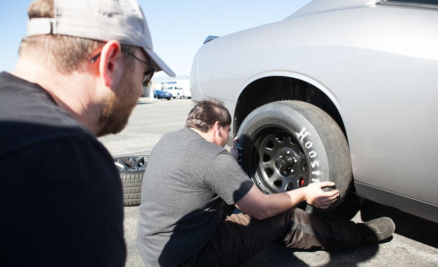 What's the Hellcat's True Potential? We Head to the Drag Strip with Various Tires to Find Out - Slide 51