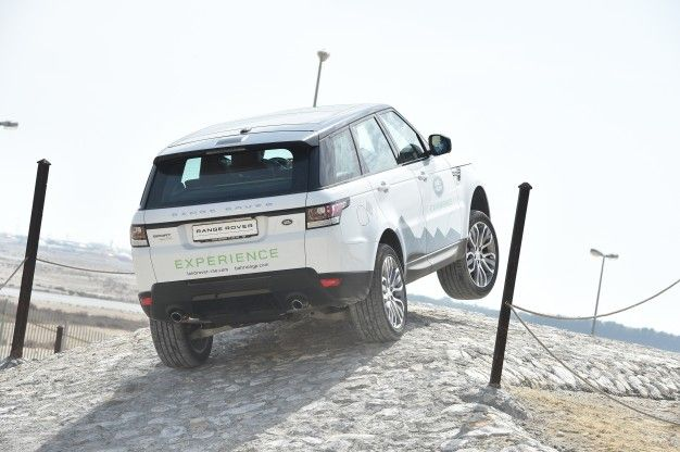 Land Rover Details 2016 Range Rover Sport Lineup's Changes, New Diesel V-6
