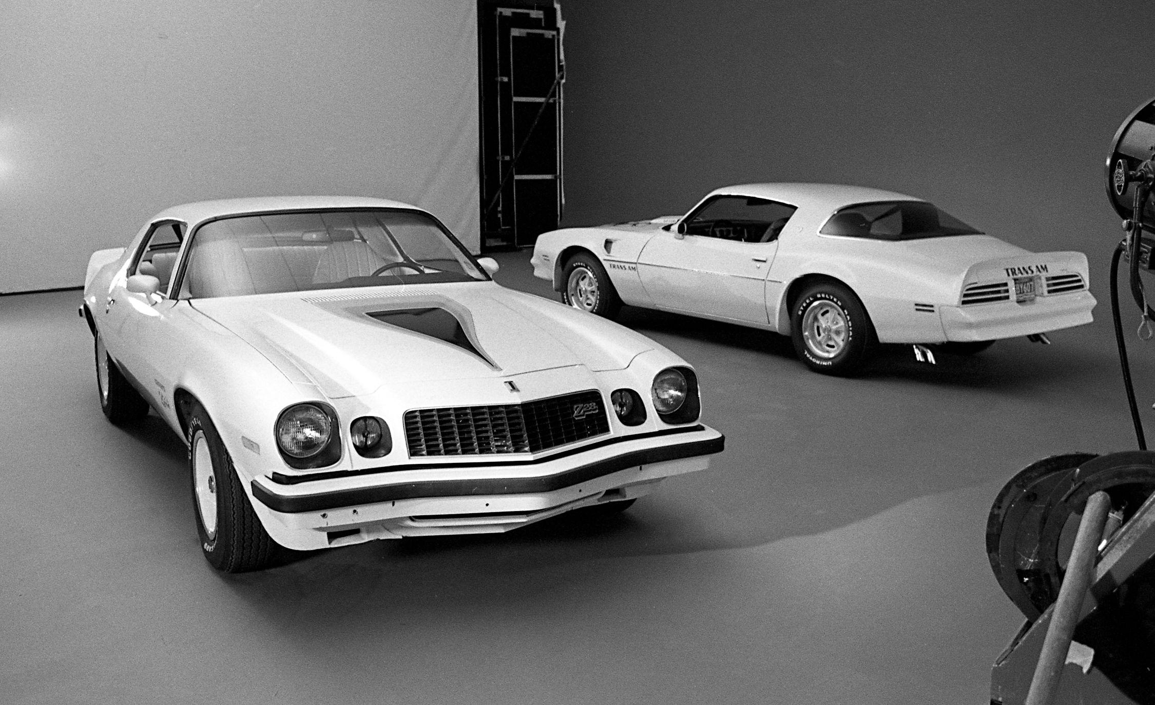 Chevrolet Camaro Z 28 Vs Pontiac Firebird Trans Am Archived