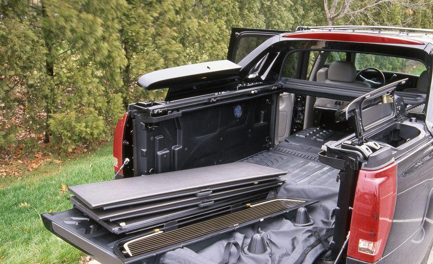 2002 Cadillac Escalade EXT - Slide 5