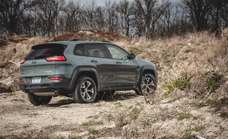 Jeep Recalls 164,000 Cherokees for Electrical Fire Risk