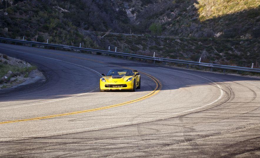 2016 Chevrolet Corvette Z06 C7.R Edition and Chevrolet Corvette C7.R race car - Slide 8