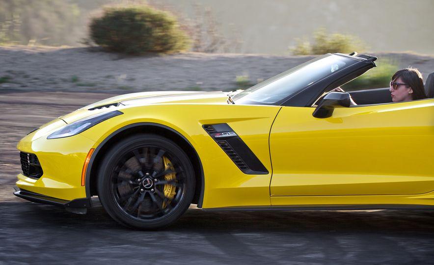 2016 Chevrolet Corvette Z06 C7.R Edition and Chevrolet Corvette C7.R race car - Slide 13