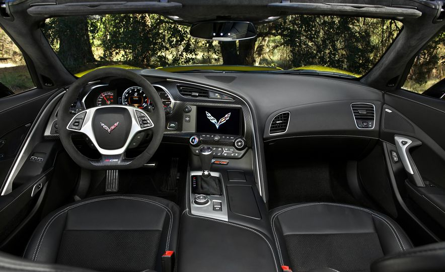 2016 Chevrolet Corvette convertible - Slide 38