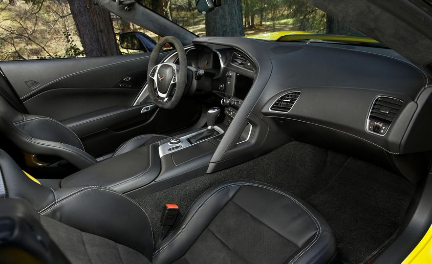 2016 Chevrolet Corvette Z06 C7.R Edition and Chevrolet Corvette C7.R race car - Slide 52