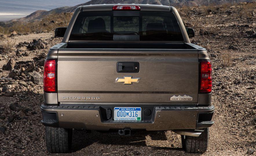 2016 Chevrolet Silverado 1500 (spy photo) - Slide 22
