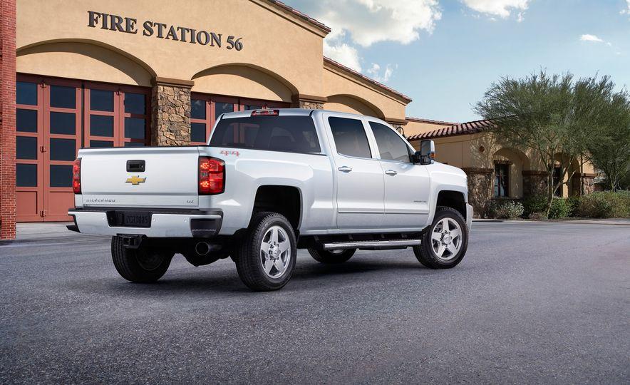 2015 Chevrolet Silverado 2500 Custom Sport HD - Slide 2