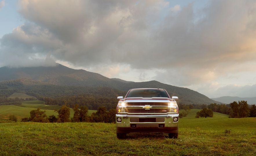 2015 Chevrolet Silverado 2500 Custom Sport HD - Slide 8