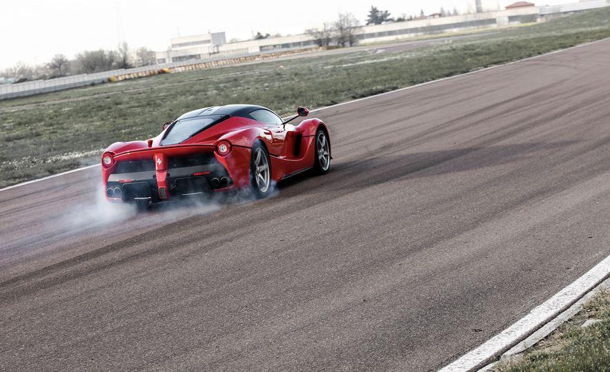 2015 Ferrari LaFerrari - Slide 3