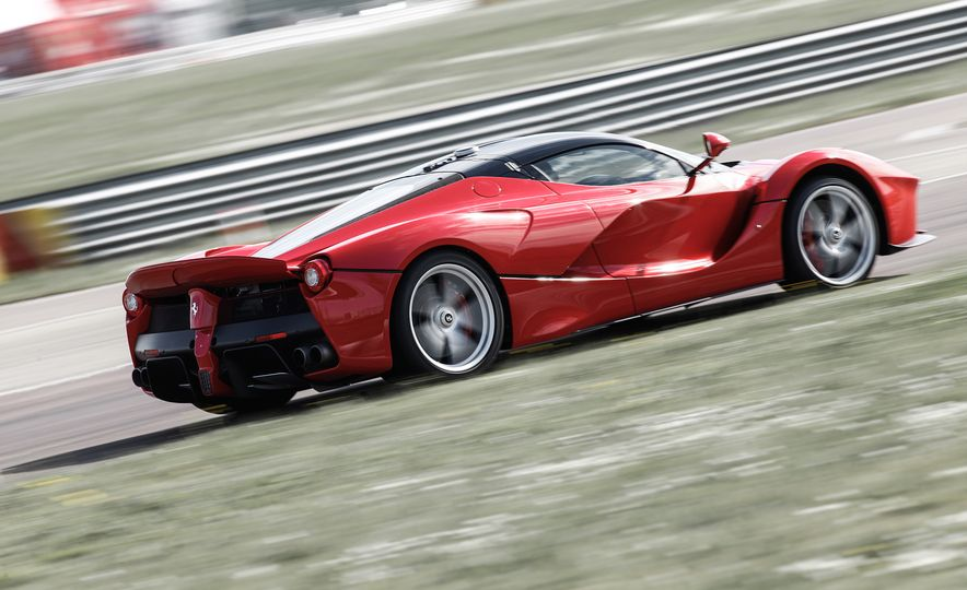 2015 Ferrari LaFerrari - Slide 4