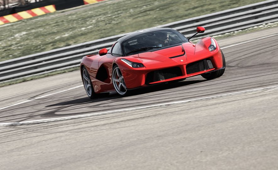 2015 Ferrari LaFerrari - Slide 7