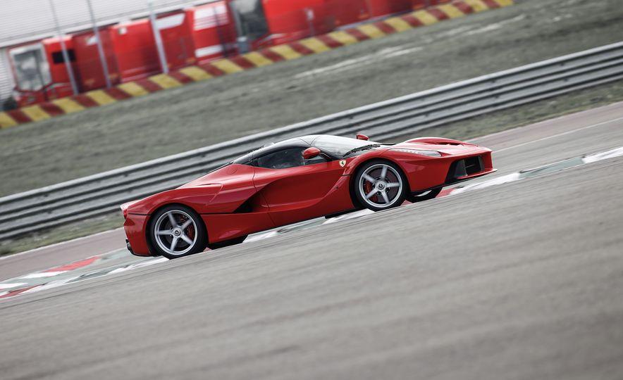 2015 Ferrari LaFerrari - Slide 9