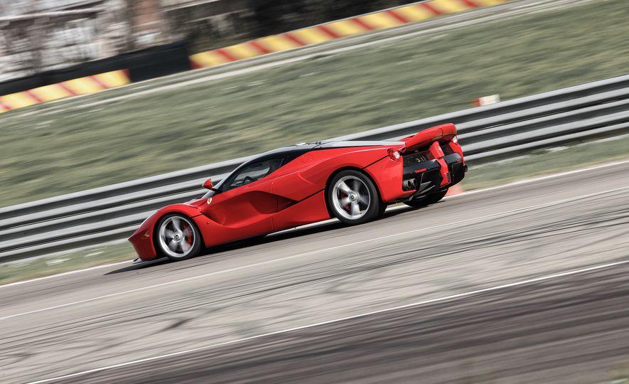 2015 Ferrari LaFerrari - Slide 10