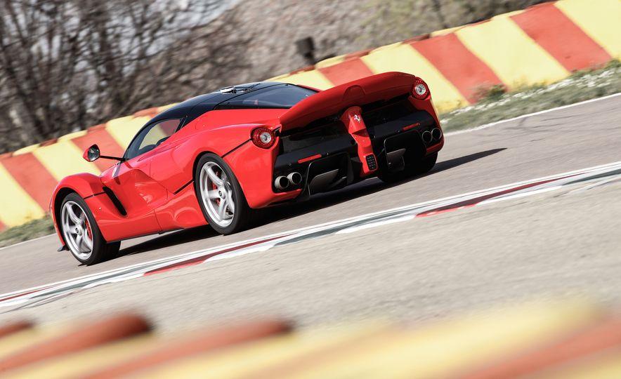 2015 Ferrari LaFerrari - Slide 11