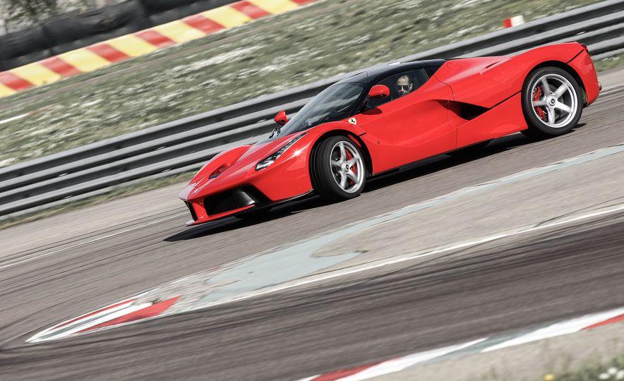 2015 Ferrari LaFerrari - Slide 15