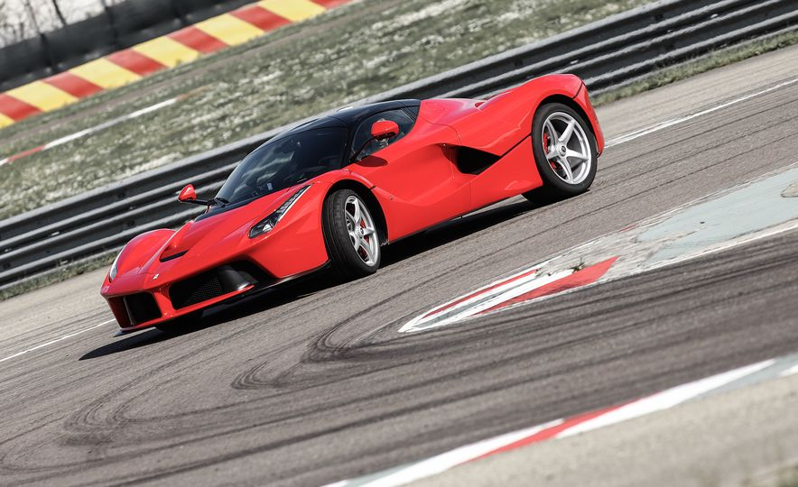 2015 Ferrari LaFerrari - Slide 16