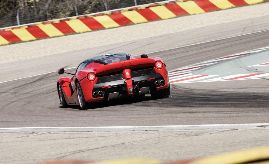 2015 Ferrari LaFerrari - Slide 24