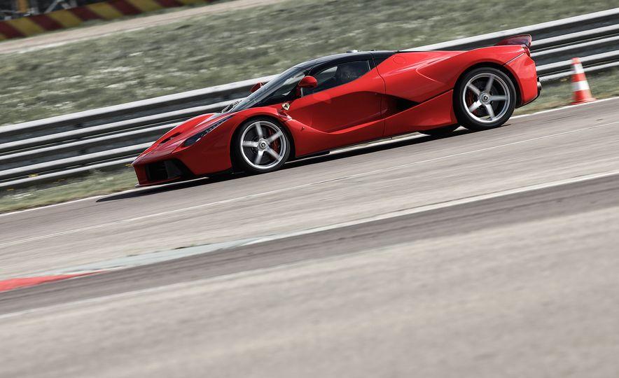 2015 Ferrari LaFerrari - Slide 27