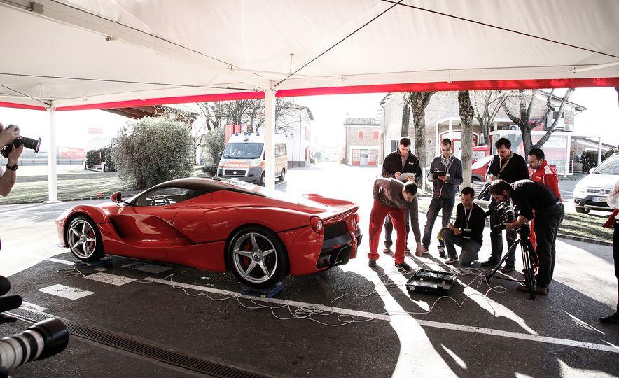 2015 Ferrari LaFerrari - Slide 33