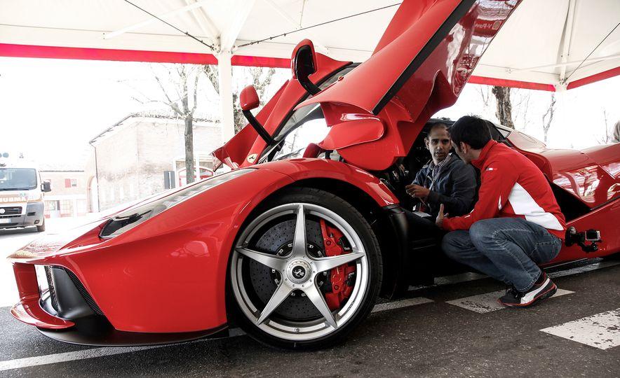 2015 Ferrari LaFerrari - Slide 39