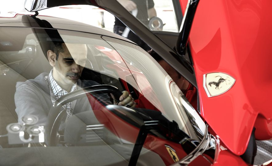 2015 Ferrari LaFerrari - Slide 43
