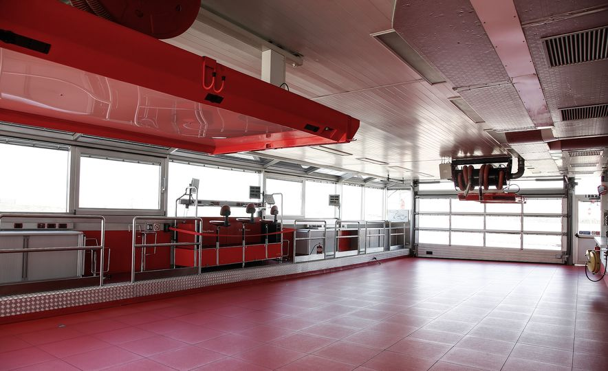 2015 Ferrari LaFerrari - Slide 46