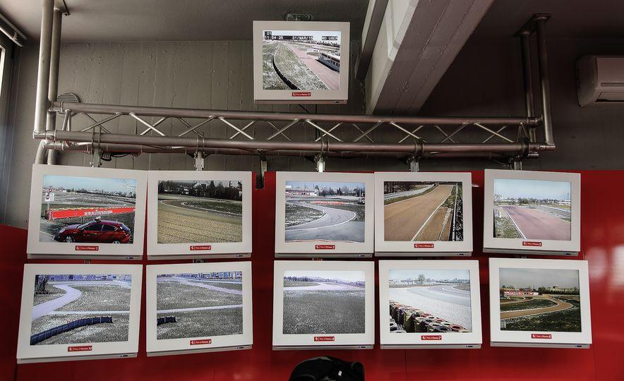 2015 Ferrari LaFerrari - Slide 48