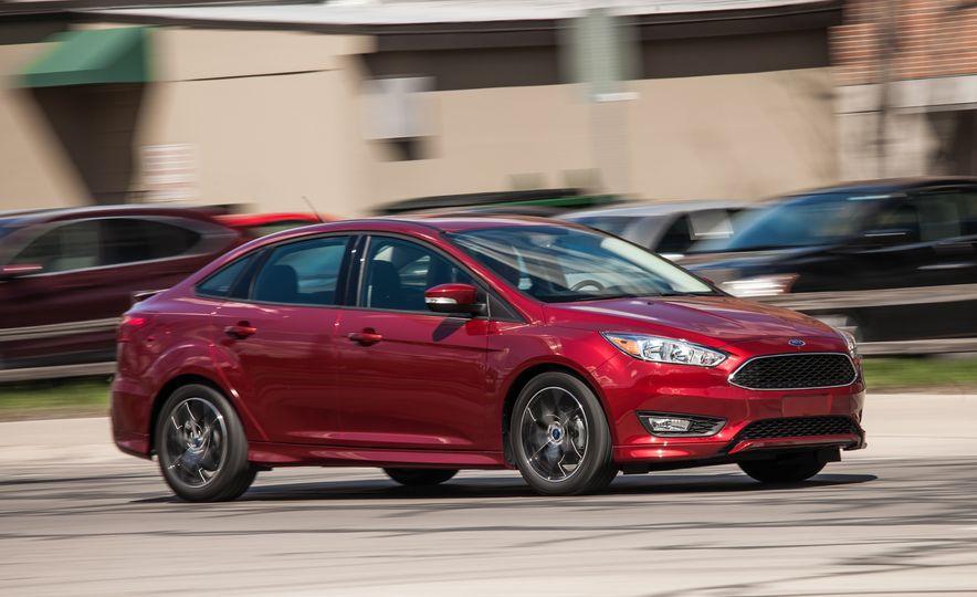2015 Ford Focus 1.0L EcoBoost - Slide 4