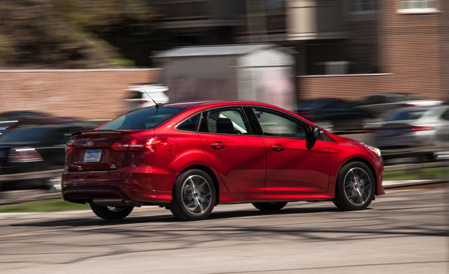 2015 Ford Focus 1.0L EcoBoost - Slide 6
