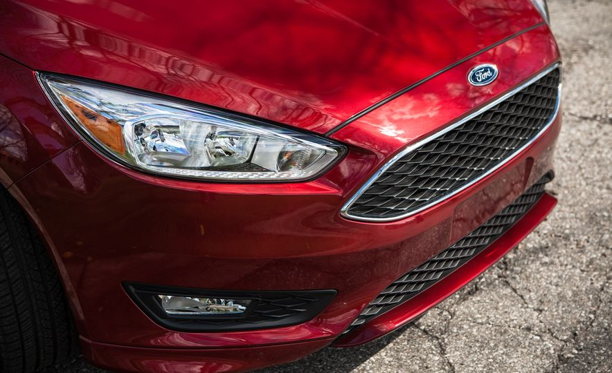 2015 Ford Focus 1.0L EcoBoost - Slide 11