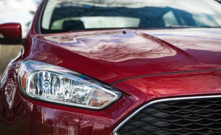 2015 Ford Focus 1.0L EcoBoost - Slide 12