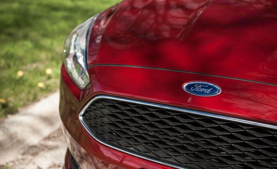 2015 Ford Focus 1.0L EcoBoost - Slide 14