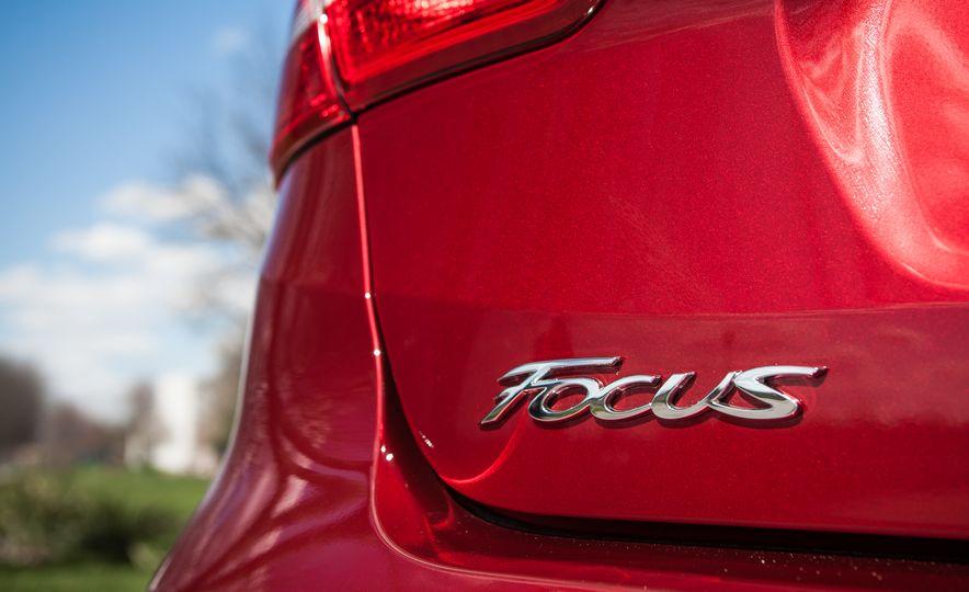 2015 Ford Focus 1.0L EcoBoost - Slide 19