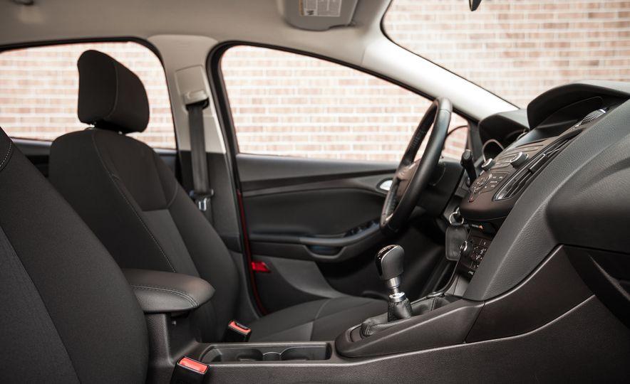 2015 Ford Focus 1.0L EcoBoost - Slide 24