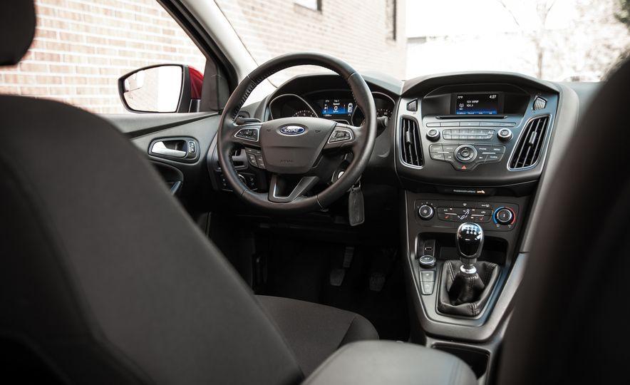 2015 Ford Focus 1.0L EcoBoost - Slide 29