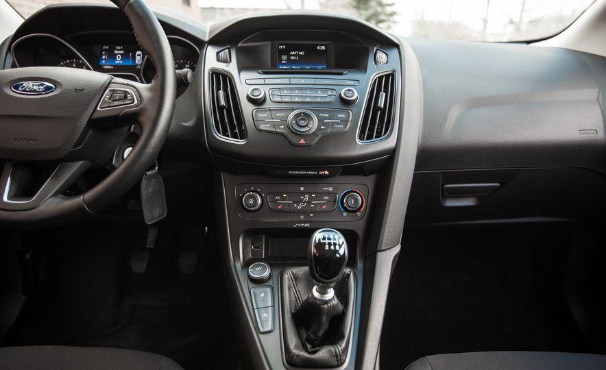 2015 Ford Focus 1.0L EcoBoost - Slide 30