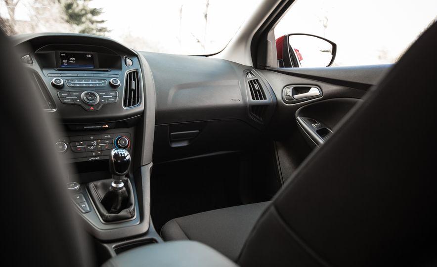 2015 Ford Focus 1.0L EcoBoost - Slide 31