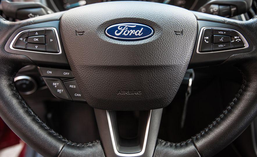 2015 Ford Focus 1.0L EcoBoost - Slide 33